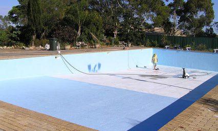 Nhận sơn chống thấm và hoàn thiện sàn hồ bơi với sơn hồ bơi epoxy